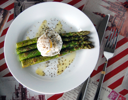 Poached-Eggs-Asparagus-Top